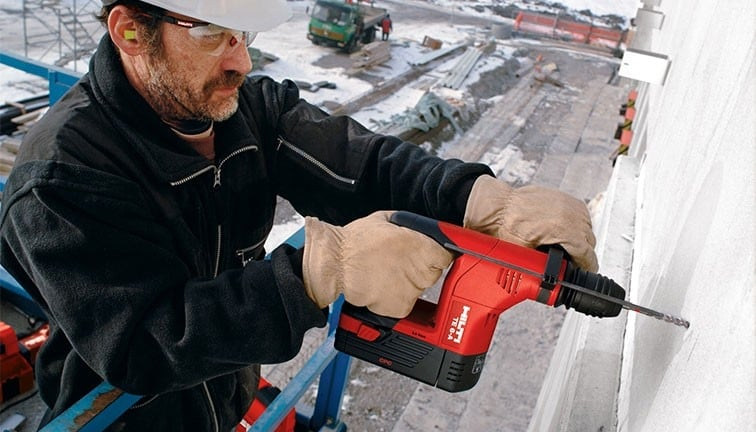 Powering your tools with Hilti batteries