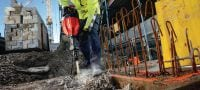 TE 1000-AVR universal cord Versatile demolition hammer for floor breaking and occasional wall applications Applications 1