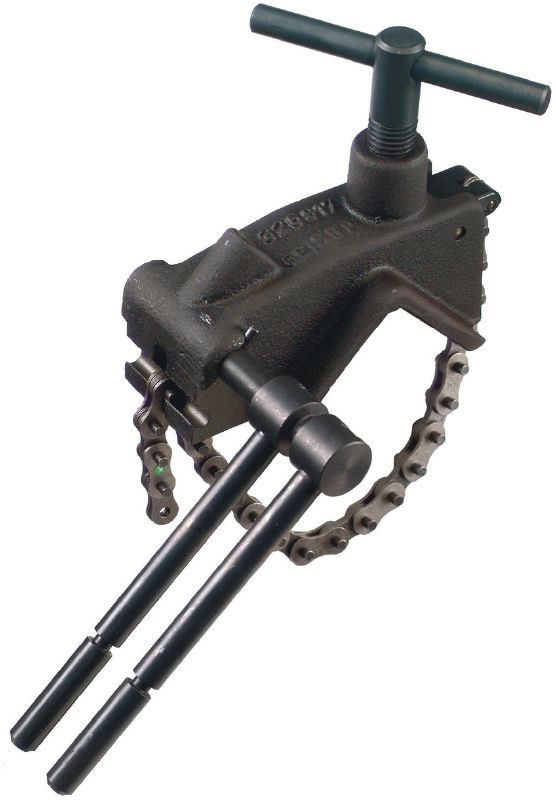 Adapter for pipe cutting